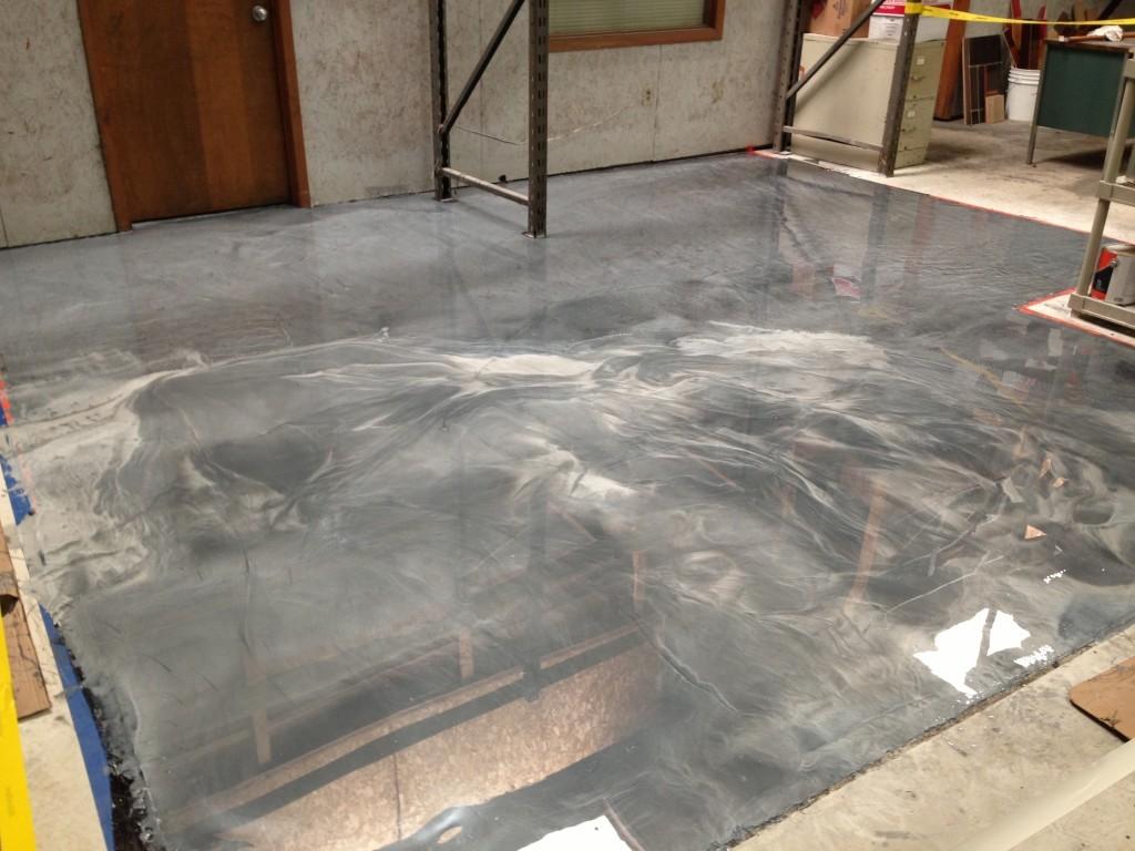 Polished Steel & Brushed Aluminum