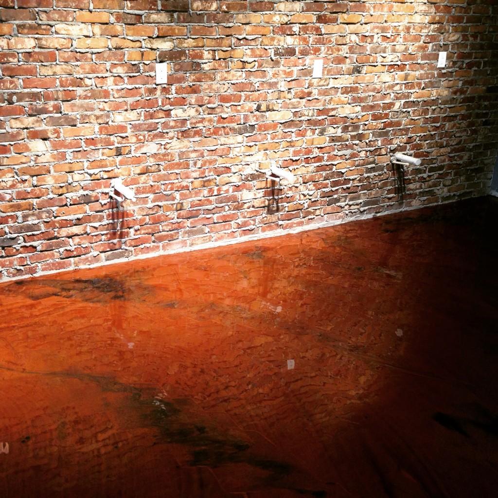 Salon in Warm Caramel - Serious Concrete